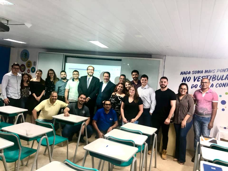 Marlus Arns em Foz de Iguaçu para aula em curso de pós-graduação